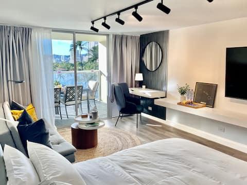 *Modern & Cozy! Newly Renovated Waikiki Studio!