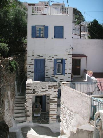 Doll house in Kea Ioulida / Chora, Cyclades
