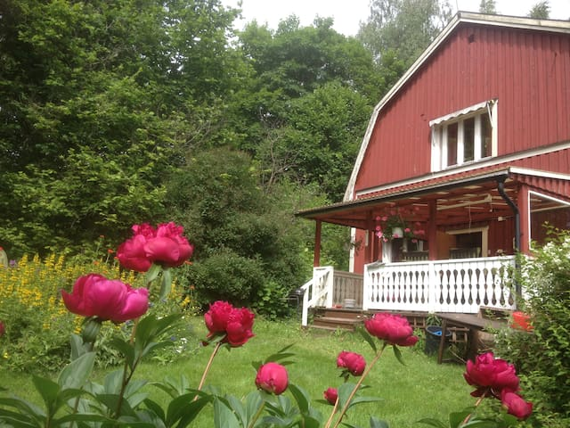 Beautiful country home nr Ängsbacka