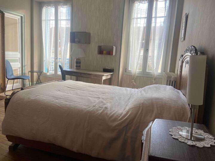 Charmante chambre au centre ville historique
