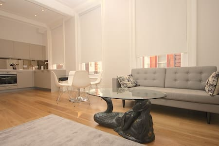 Soho! Beautiful, Stylish & Spacious