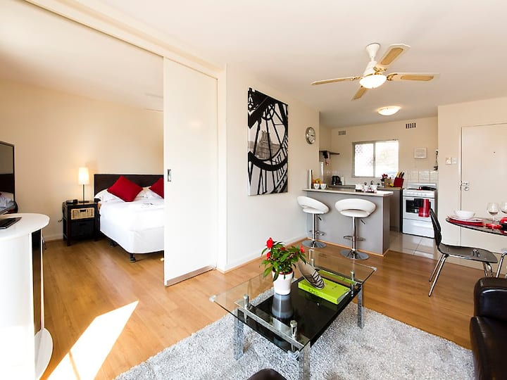 Style in Subiaco - perfect Location
