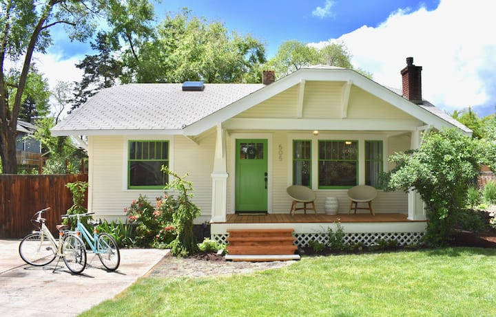 Bluebird Day - Star Cottage 2 Bedroom + Loft | Hot Tub | Bikes | PET FRIENDLY | Walk Everywhere!
