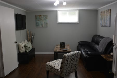 Beautiful, Bright Fully Furnished! - Summerside