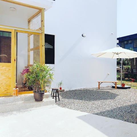 小樹的家咖啡民宿。(田園雙人房) Village Garden Double Room