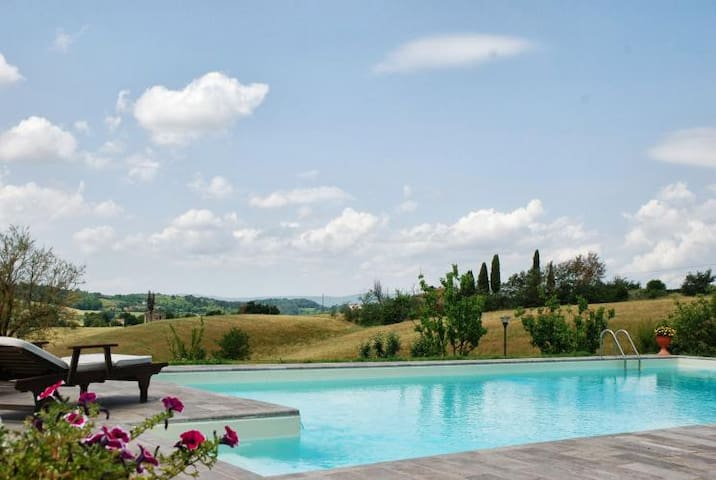 Apartment 8 pax with pool, Jacuzzi and great view - Poggibonsi - Leilighet