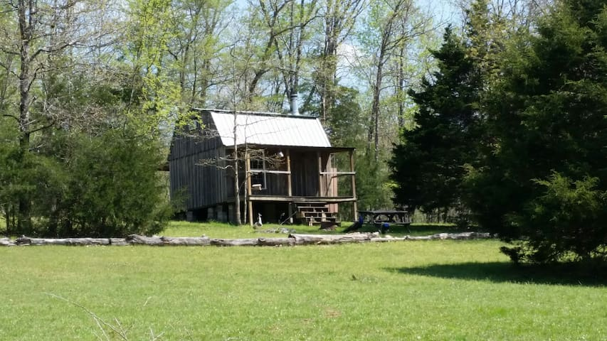 Simple Rustic Cabin/Camping and Farm Experience