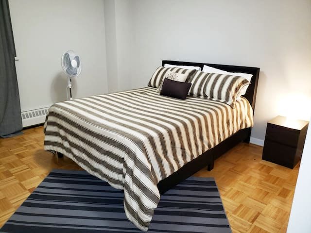 North York private bedroom