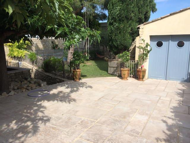 Grande et belle maison familiale avec piscine