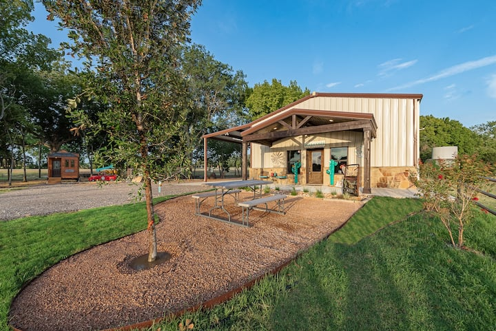 Unique Barndominium Perfect For Couples