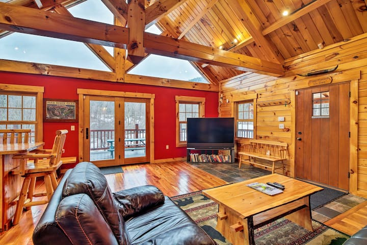 NEW! Ski Lodge/4-Season Mountain Retreat