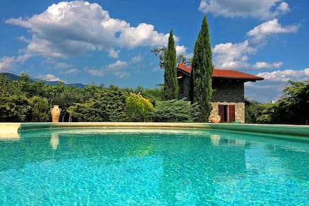 Villa Le Due Lune with Exclusive Pool and Park - Filattiera