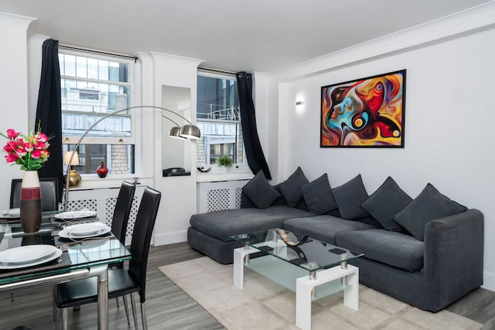 50m from The Gherkin Super Central City 2Bed/2Bath