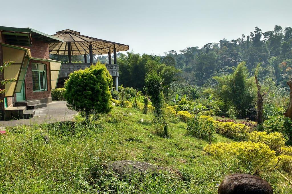 Cottage overlooking Brahmagiri Range