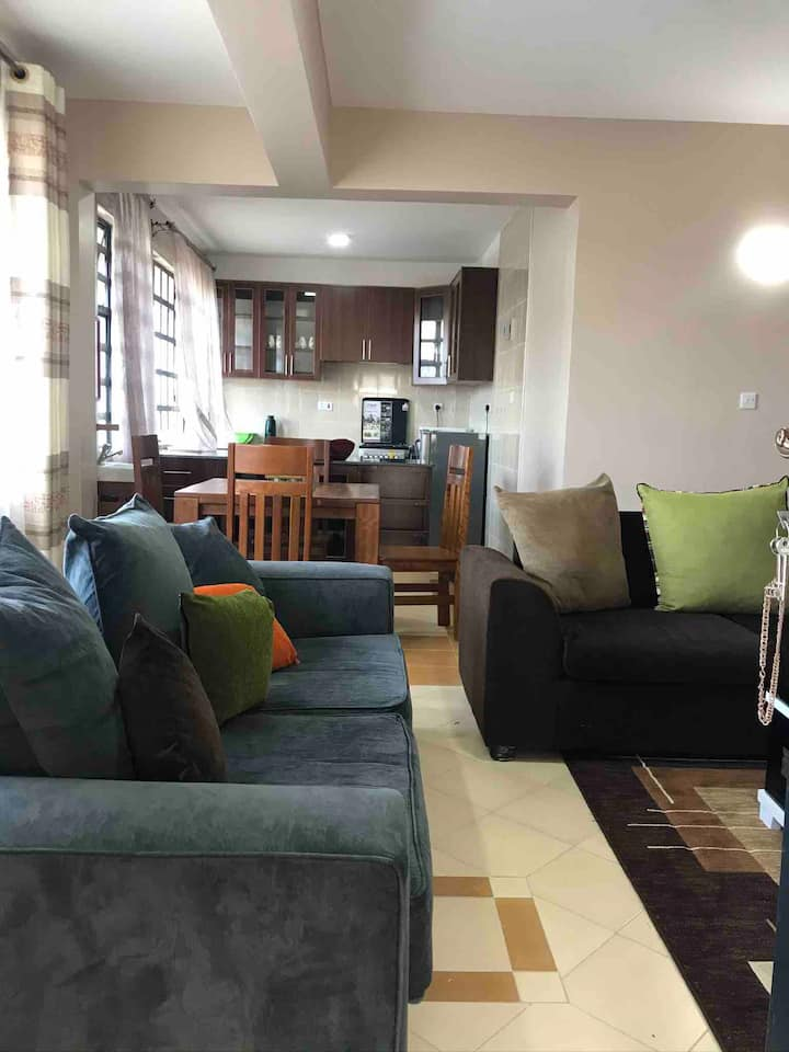1 bedroom Cosy, spacious, clean, secure apartment.