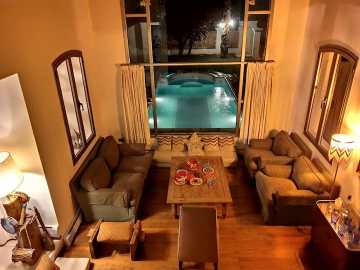 Relax & Enjoy Mendoza at Casa Cairo