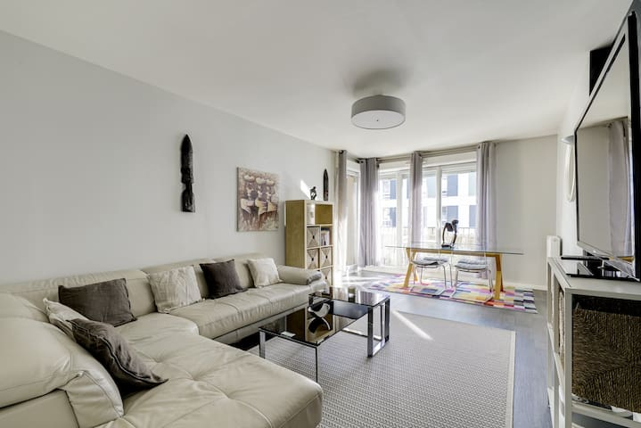 Chic apart with terrace and parking