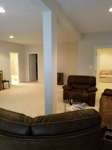 VERY NICE BASEMENT SUITE APARTMENT IN THE DC AREA