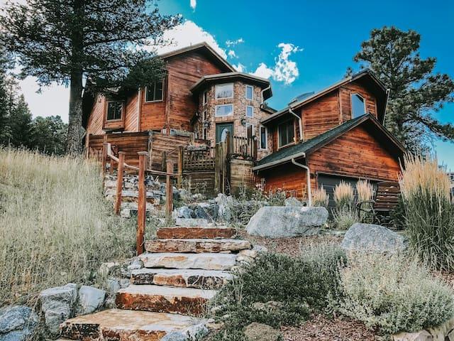 Silver Deluxe King | Juniper Mountain House