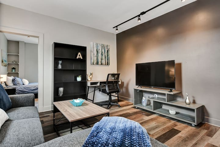 Modern / Renovated 1BR near Downtown Ottawa!