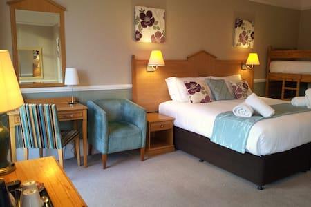 Family En-Suite Room - York