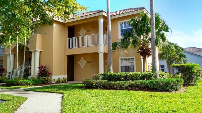 Cozy Condo in PGA Village w/ Pool - Port St. Lucie - Flat