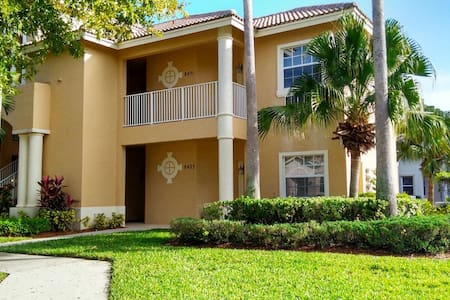 Cozy Condo in PGA Village w/ Pool - Port St. Lucie - Appartement
