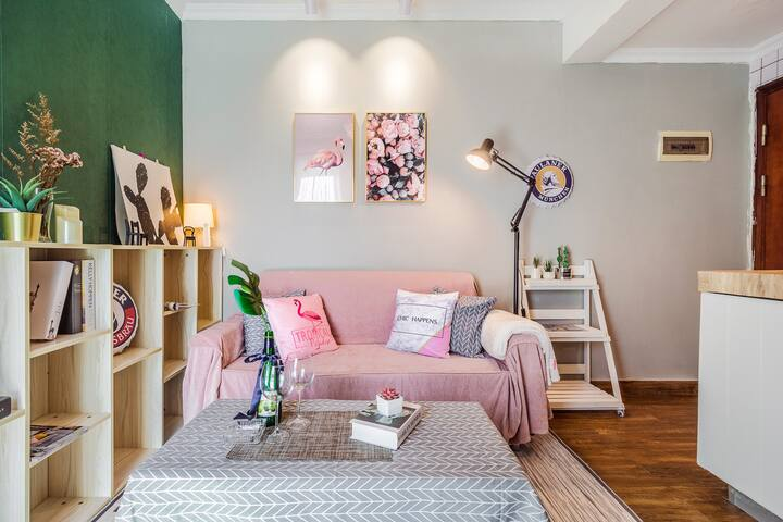 warm  romantic fantastic style apartment