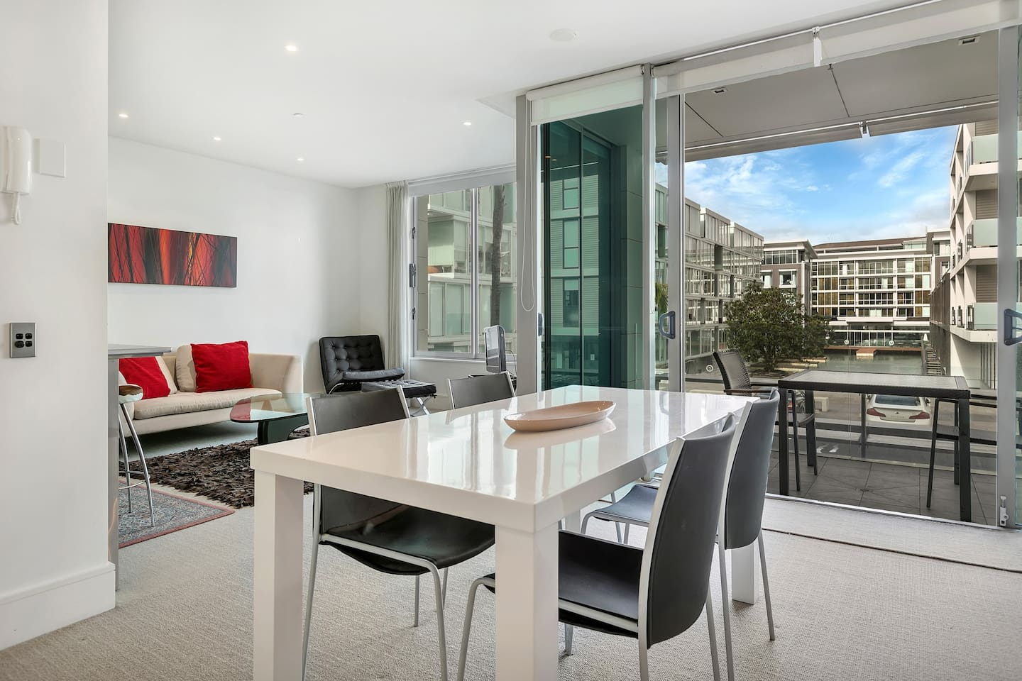 Spacious and sunny 71 sqm apartment