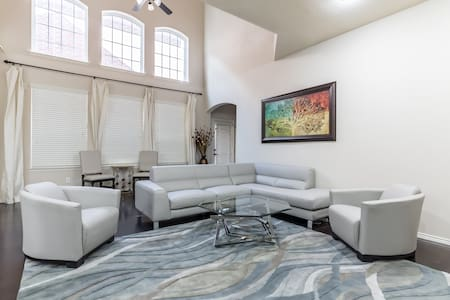 (A) Modern Private Room Near DFW Airport - Euless - 独立屋