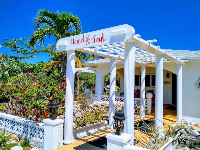 Heart & Soul House - Ocean View & Private Pool
