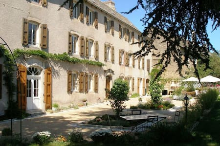 Le Clos d'Albray Heures Bleues - Comps-la-Grand-Ville - Bed & Breakfast