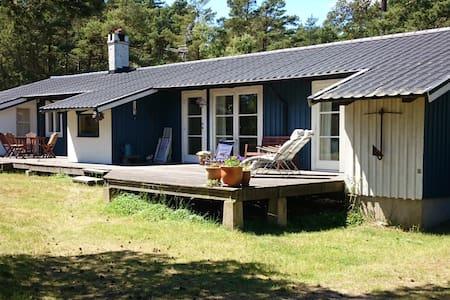 Sommarhus med havsutsikt - Borrby - Rumah