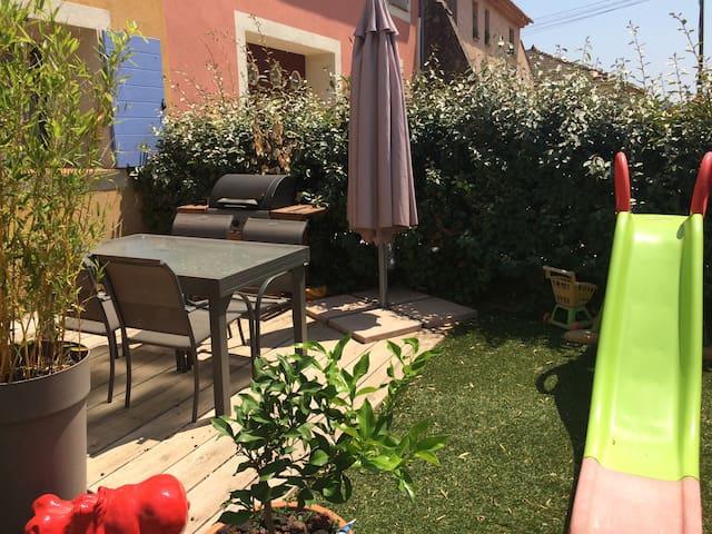 Jolie maison à 15 mns des plages - Pierrefeu-du-Var - House