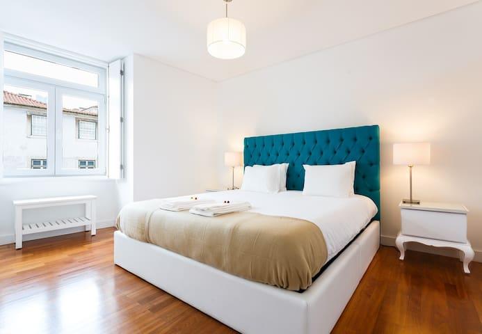 Luxury gem in Chiado  Elevator   Premium mattress