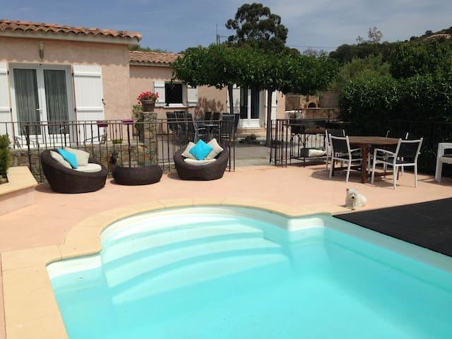 Villa vue mer piscine privée calme et confortable - Monticello - Huis