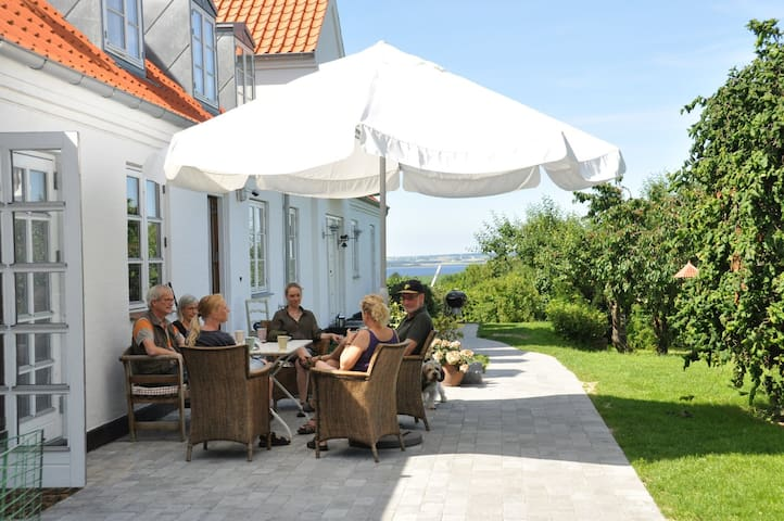 Exclusive B&B, uniq nature & views close to Cph