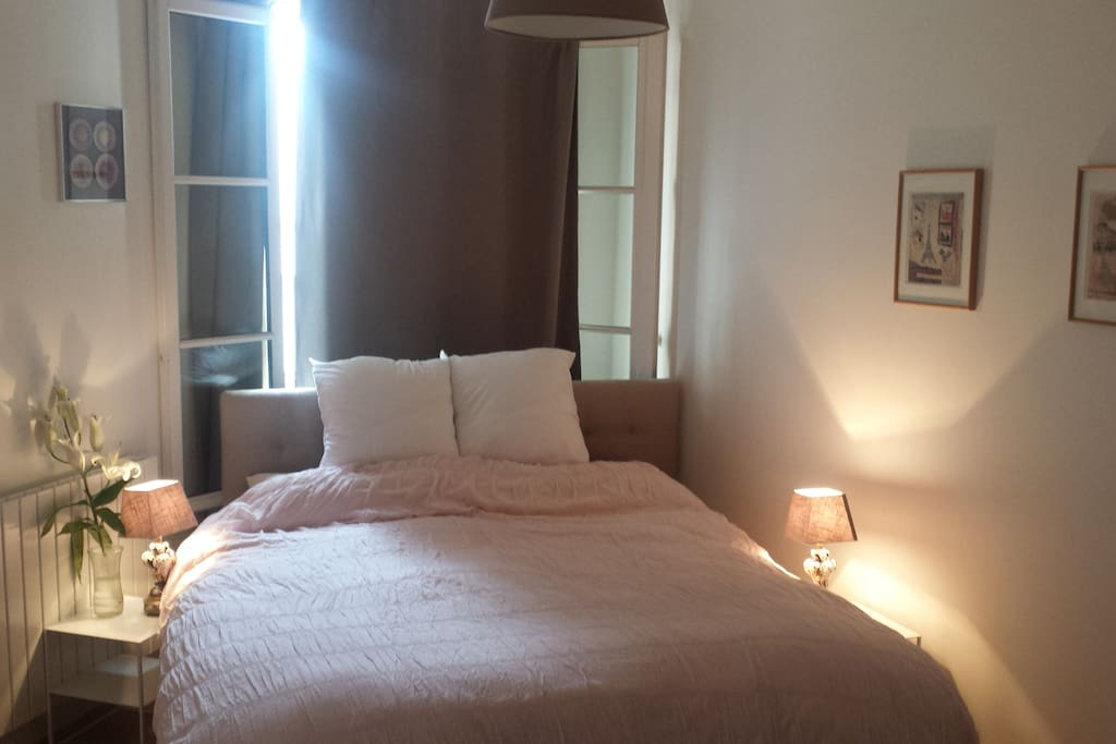 Spacious bedroom + Queen sized bed.