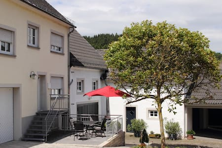 """Ferienhaus """"Alte Post"""" in Densborn - Densborn - Casa"""