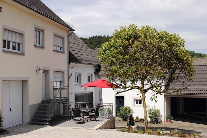 """Ferienhaus """"Alte Post"""" in Densborn"""