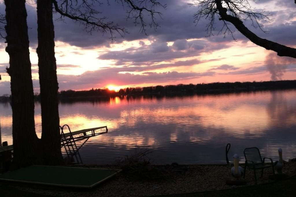 Cabin sits on Lake Shetek with gorgeous sunset views!