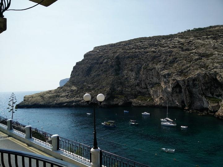 Air-Con Sunset, Sea, Cliff Views apt, Xlendi Gozo