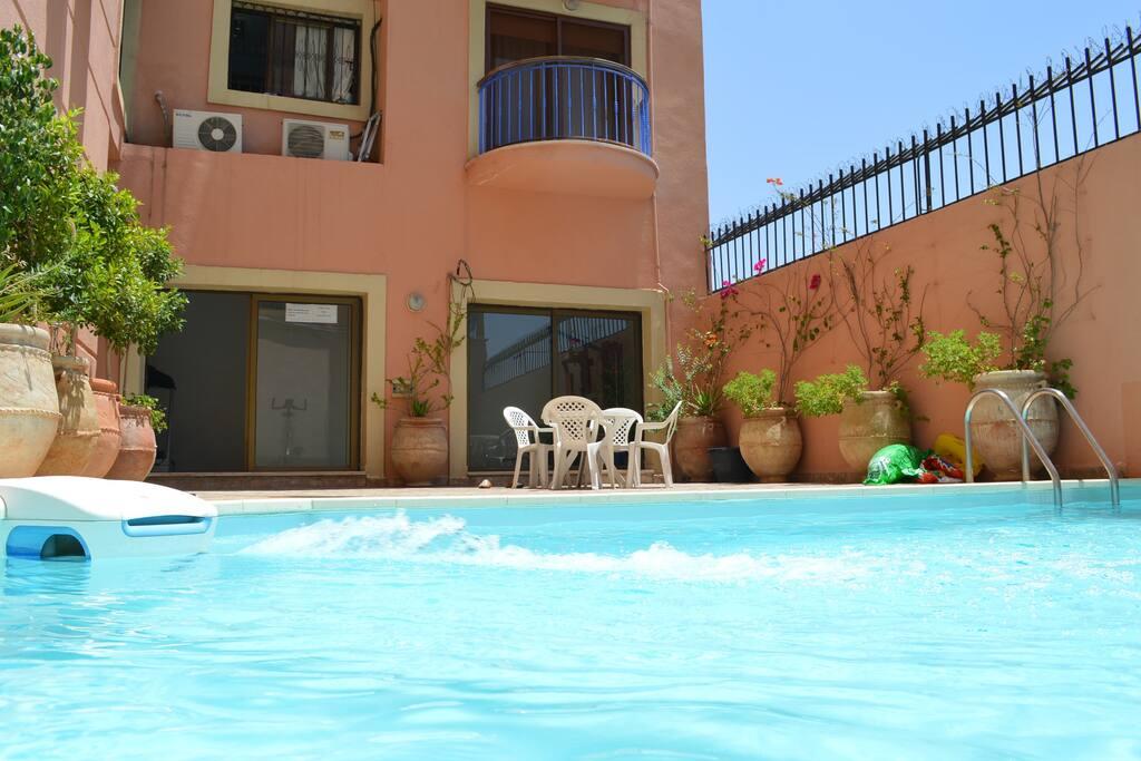 Appartement gueliz piscine parking salle de sport for Piscine salle de sport