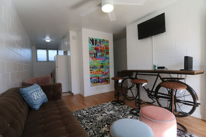 Bikini Rm - Room for 2 in the WAIKIKI District