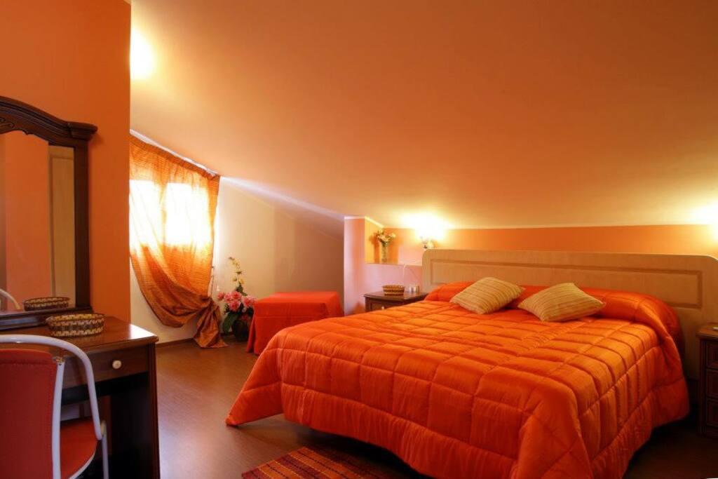 A pochi km da etnapolis e etnaland chambres d 39 h tes for Sono pour chambre