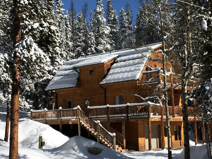Beautiful, Secluded Cabin So Close To Town
