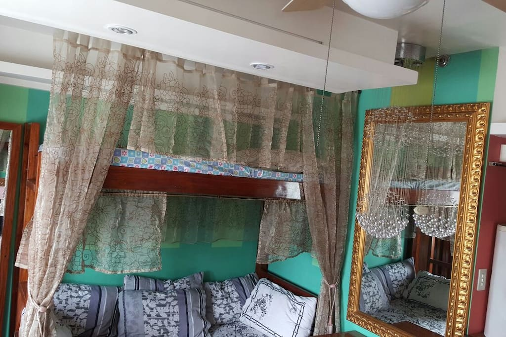 Fully Furnished Victorian Studio Apartments For Rent In