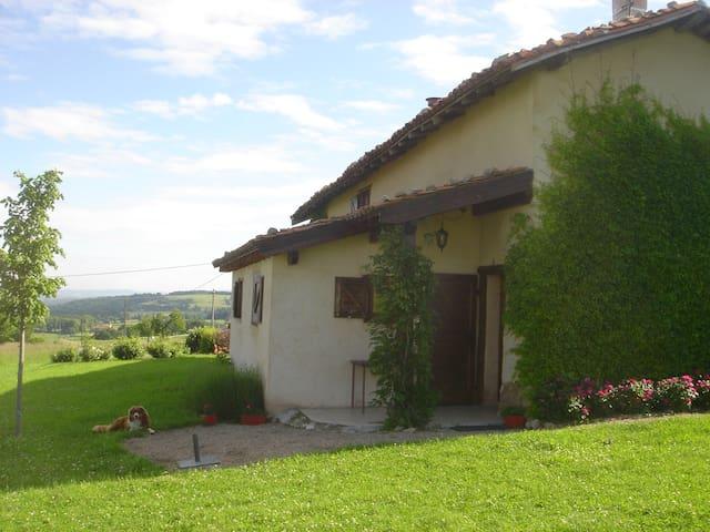 Les Rochettes : ancienne ferme - Saint-Cyr-les-Vignes