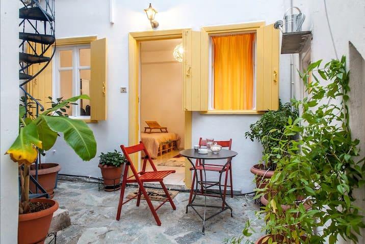 Perfect Studio@historic center-great neighborhood