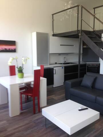 appartement de luxe au bord de l'eau avec terrasse